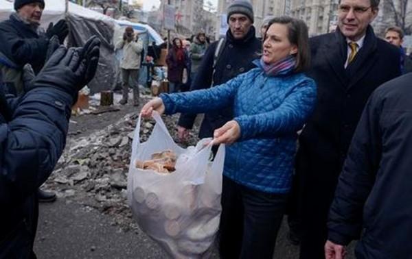 В Украине новое движение «FUCK THE EU имени Виктории Нуланд» завтра проведет марш