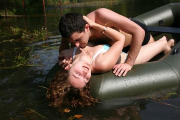 Ищу одинокую женщину для совместного проживания ним относятся