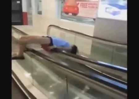 Попу видео пьяных женщин отъебали двое